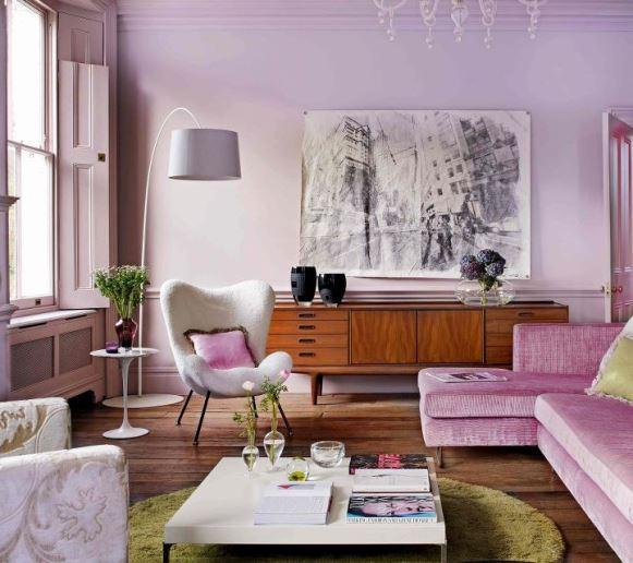 Sala de estar decorada com malva e cinza. (Foto: Reprodução/ Thewalkupblog)