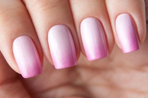 Unhas cor-de-rosa. (Foto: Reprodução/Slodive)