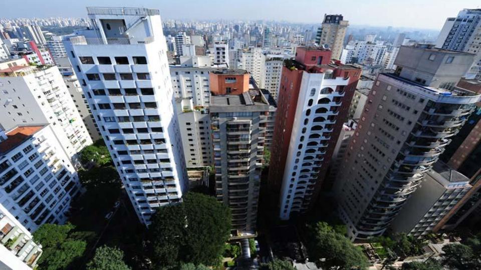 Salário do corretor de imóveis fica em torno de R$ 3 mil por mês (Foto: Exame/Abril)