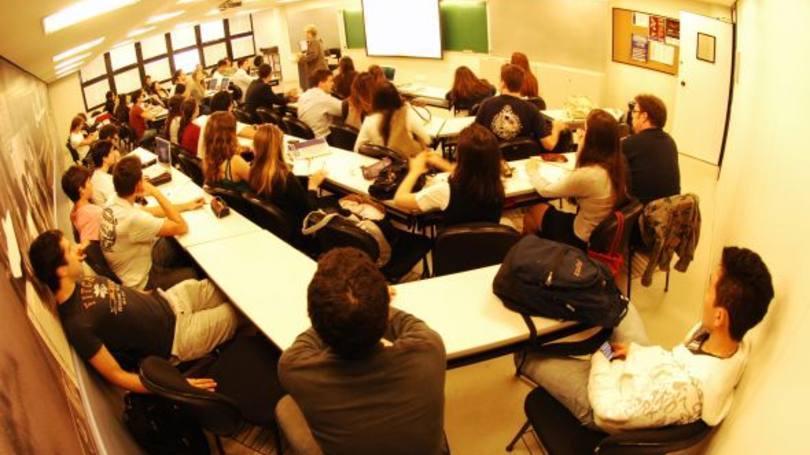 Alguns cursos também são realizados de forma semipresencial (Foto: Exame/Abril)