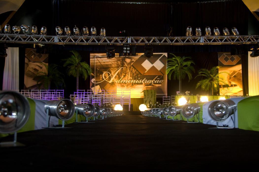 Festa de formatura de Administração (Foto: Reprodução/Cepetry)