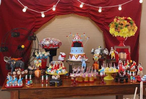 Tema Circo na decoração. (Foto: Reprodução/Cool-party-favors)