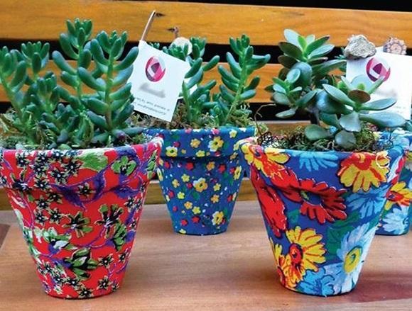 Vaso decorado com chita. (Foto: Reprodução/ Vila das Artes Campinas)