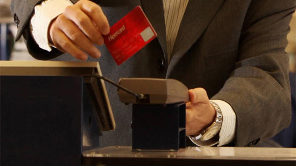Veja como consultar a fatura Hipercard (Foto: Exame/Abril)