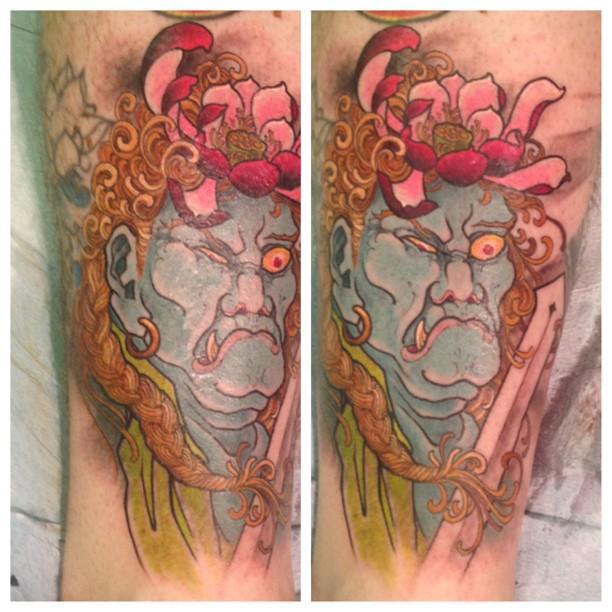 Modelo lindo de tatuagens (Foto: Divulgação)