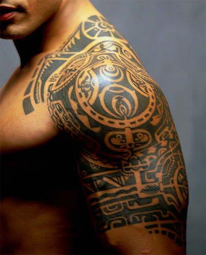 Veja como as tatuagens tribais podem compor o seu look (Foto: Divulgação)