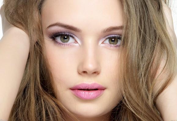 Maquiagem rosa.(Foto Ilustrativa)