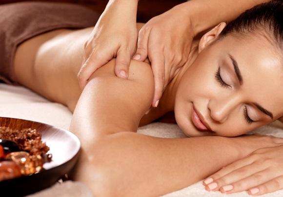 As massagens favorecem o bem-estar físico e mental. (Foto Ilustrativa)