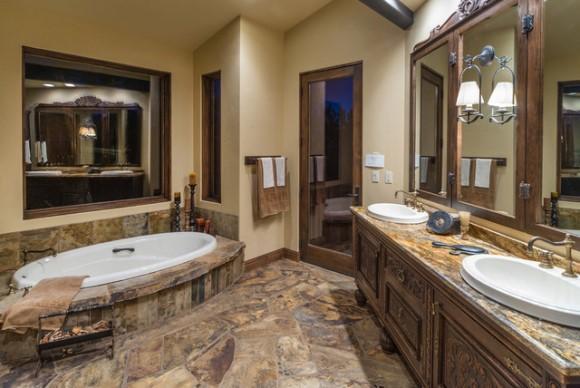 Sala de banho rústica. (Foto: Reprodução/Houzz)
