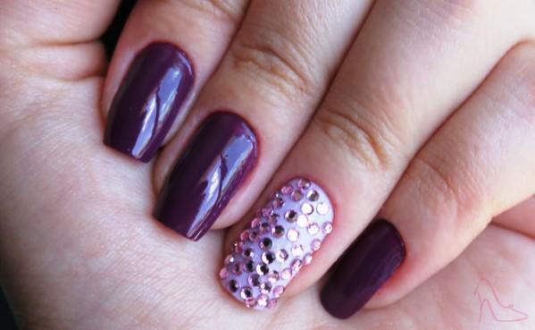 Jogo de cores nas unhas decoradas  (Foto: Reprodução/moda Clube)