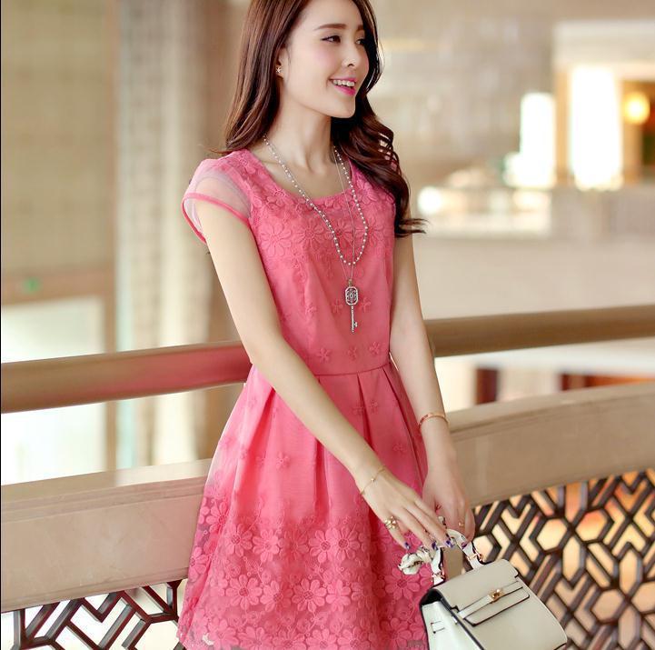 Modelos de vestido de renda 105