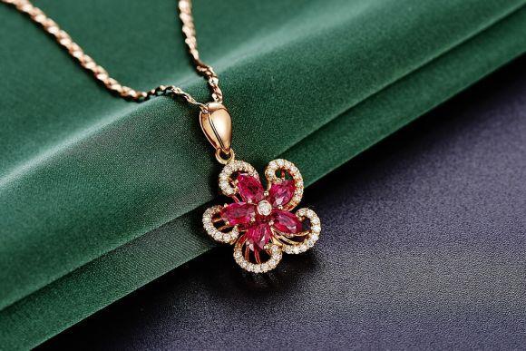 É importante ficar atento à qualidade das joias (Foto Ilustrativa)