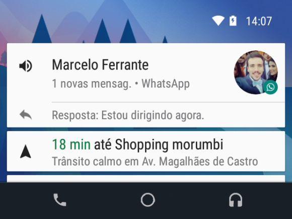 Através do Android Auto, você pode usar o WhatsApp na tela da central multimídia (Foto: Divulgação Google)