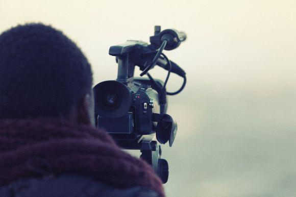 A Escola de Belas Artes da UFMG abriu dois cursos para quem quer aprender a editar vídeos (Foto Ilustrativa)