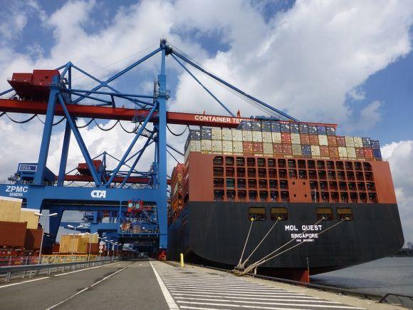 Os profissionais do segmento portuário podem atualizar o currículo estudando gratuitamente (Foto Ilustrativa)
