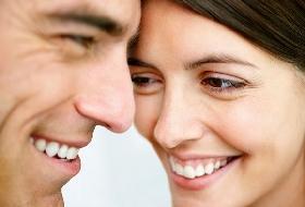 Dentes brancos: como clarear em casa