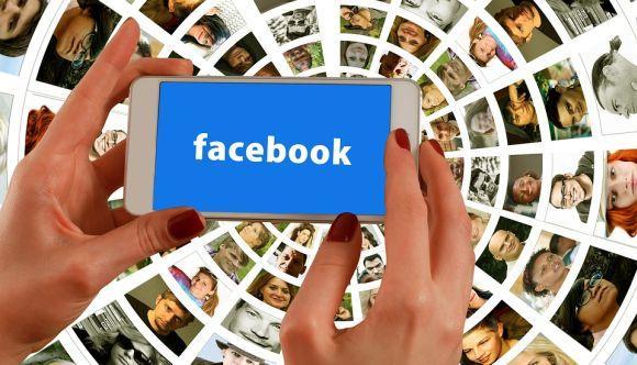 Mas o uso errado do Facebook pode ter um outro resultado para sua carreira (Foto Ilustrativa)