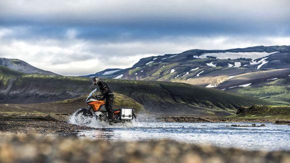 Além da estrada, a 1190 Adventure encara outros tipos de terrenos (Foto: Divulgação KTM)