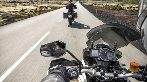 O computador de bordo da KTM 1190 Adventure dá acesso às principais configurações da moto (Foto: Divulgação KTM)