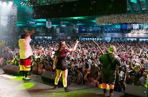 A festa tem uma série de atrações, como shows musicais (Foto: Divulgação Oktoberfest Blumenau)