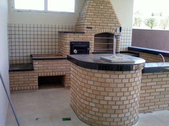 Para construir o fogão a lenha, contrate um profissional especializado (Foto: Reprodução Habitíssimo)