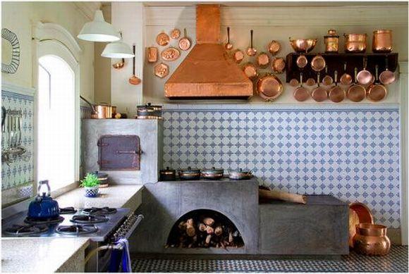 A cozinha caipira tem uma decoração interessante (Foto: Reprodução Decorfácil)