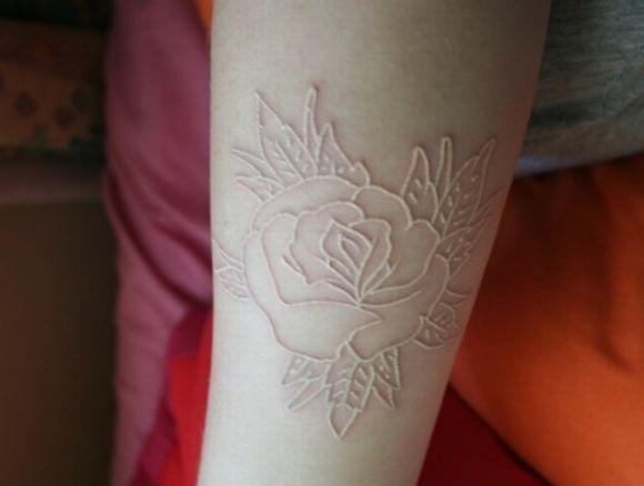 A tonalidade da pele influencia no resultado final da tatuagem (Foto Ilustrativa)