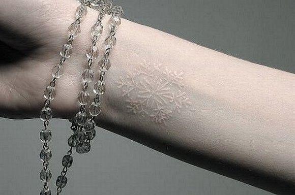As tattoos brancas são mais delicadas (Foto Ilustrativa)