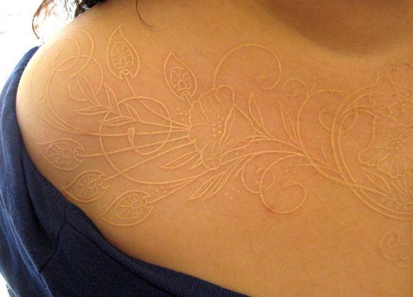 À distância fica quase impossível ver a tatuagem (Foto Ilustrativa)