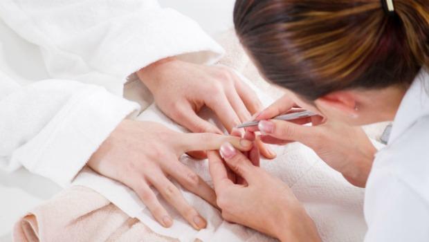 Manicure e pedicure é uma opção de curso. (Foto Ilustrativa)