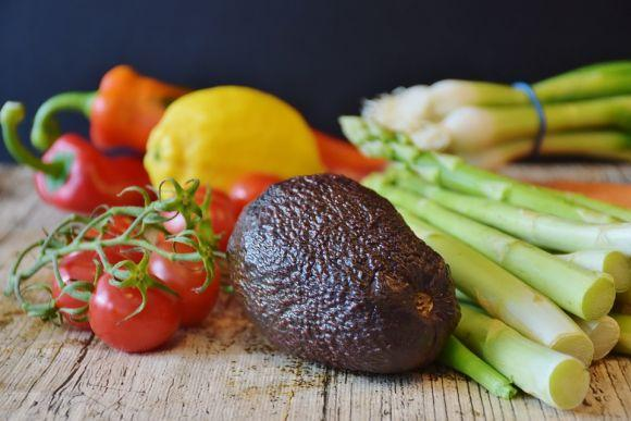 Legumes, vegetais e outros alimentos saudáveis também são essenciais no carrinho (Foto Ilustrativa)