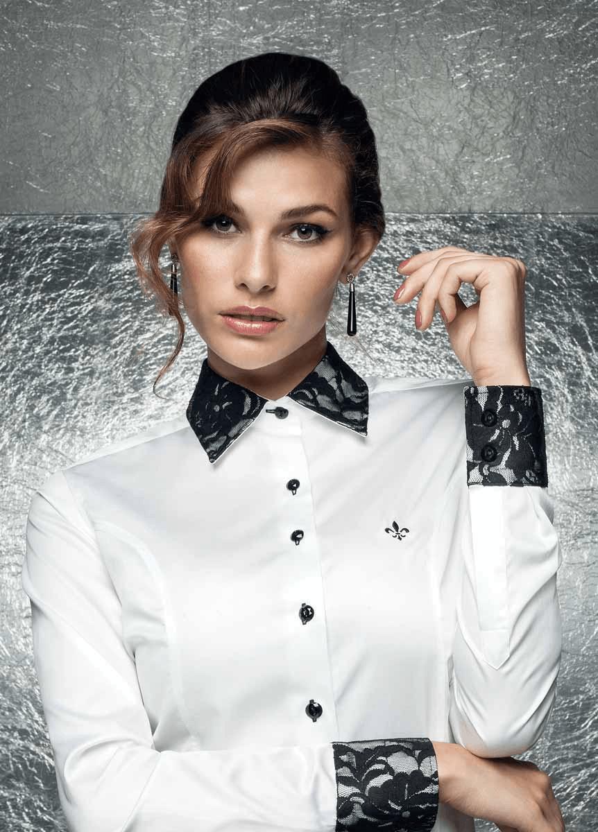 Dudalina camisa branca com braçadeira (Foto: Divulgação)