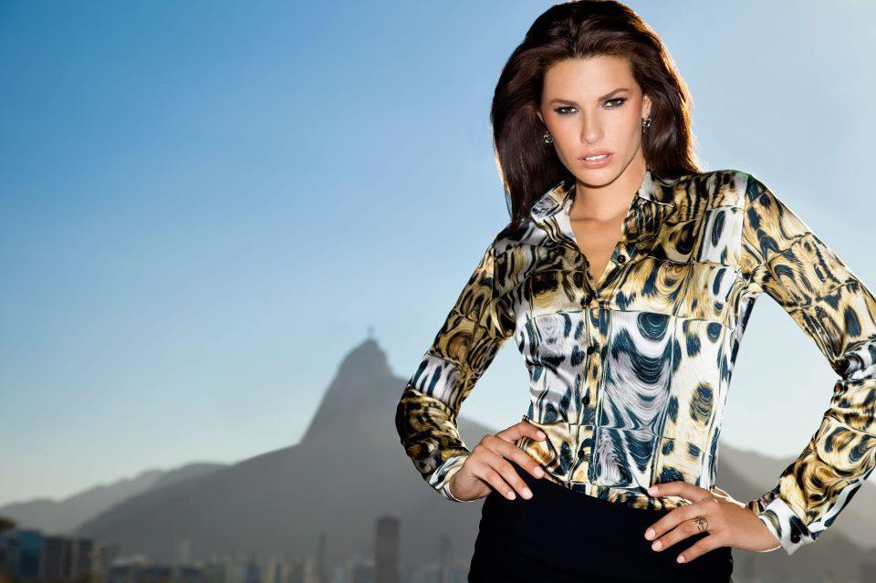 Arrase com um modelo de camisa feminina Dudalina (Foto: Divulgação)