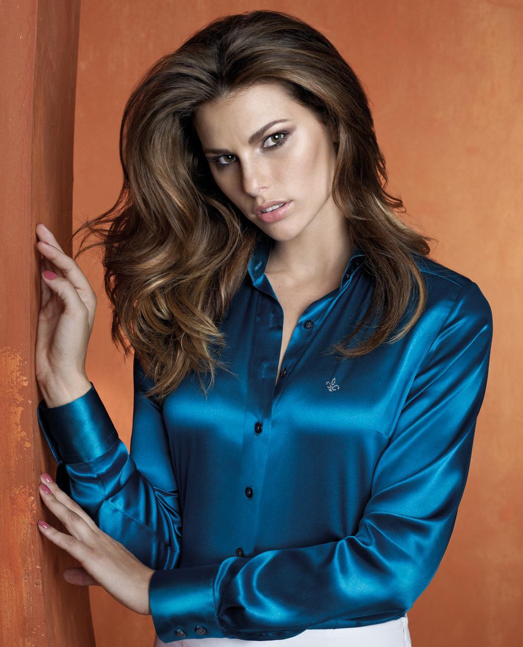 Camisa Dudalina Azulada feminina (Foto: Divulgação)
