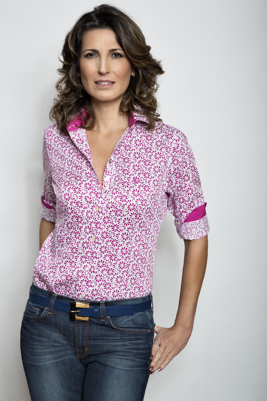 Camisa Dudalina com estampas femininas (Foto: Divulgação)