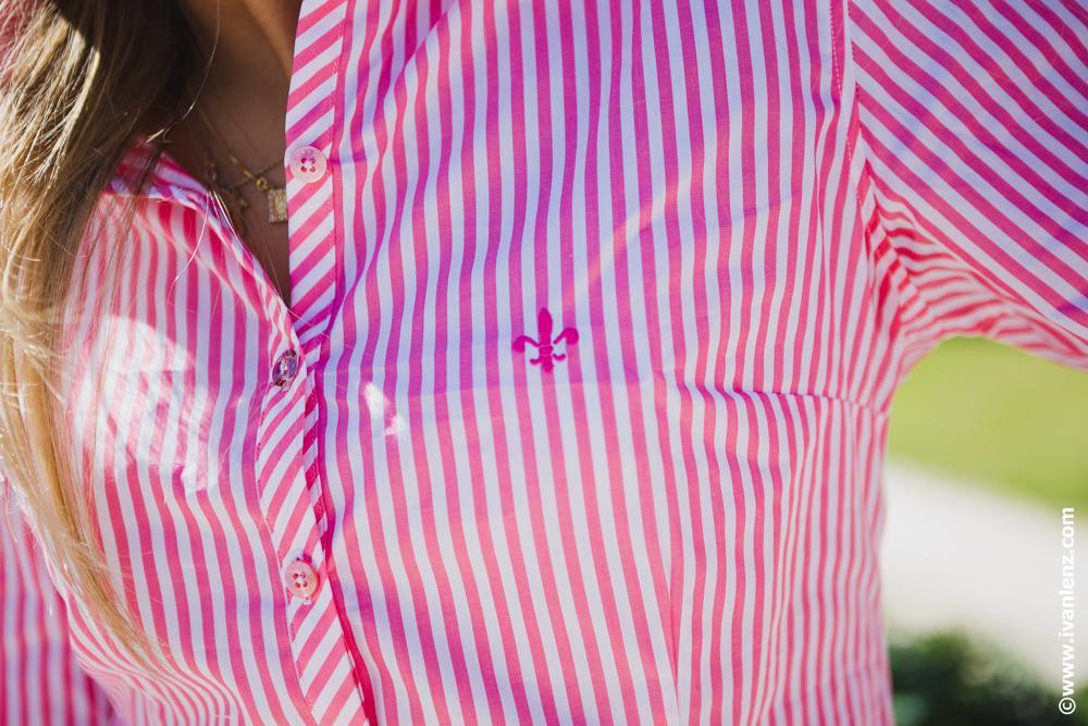 Camisa Dudalina com rosa e branco (Foto: Divulgação)
