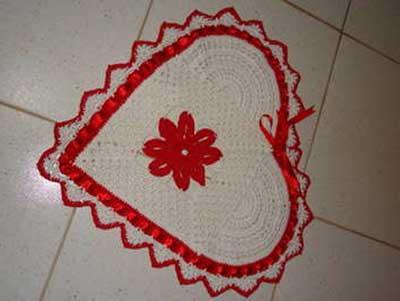 Aprenda o passo a passo de fazer tapetes de crochê (Foto: Ilustração)