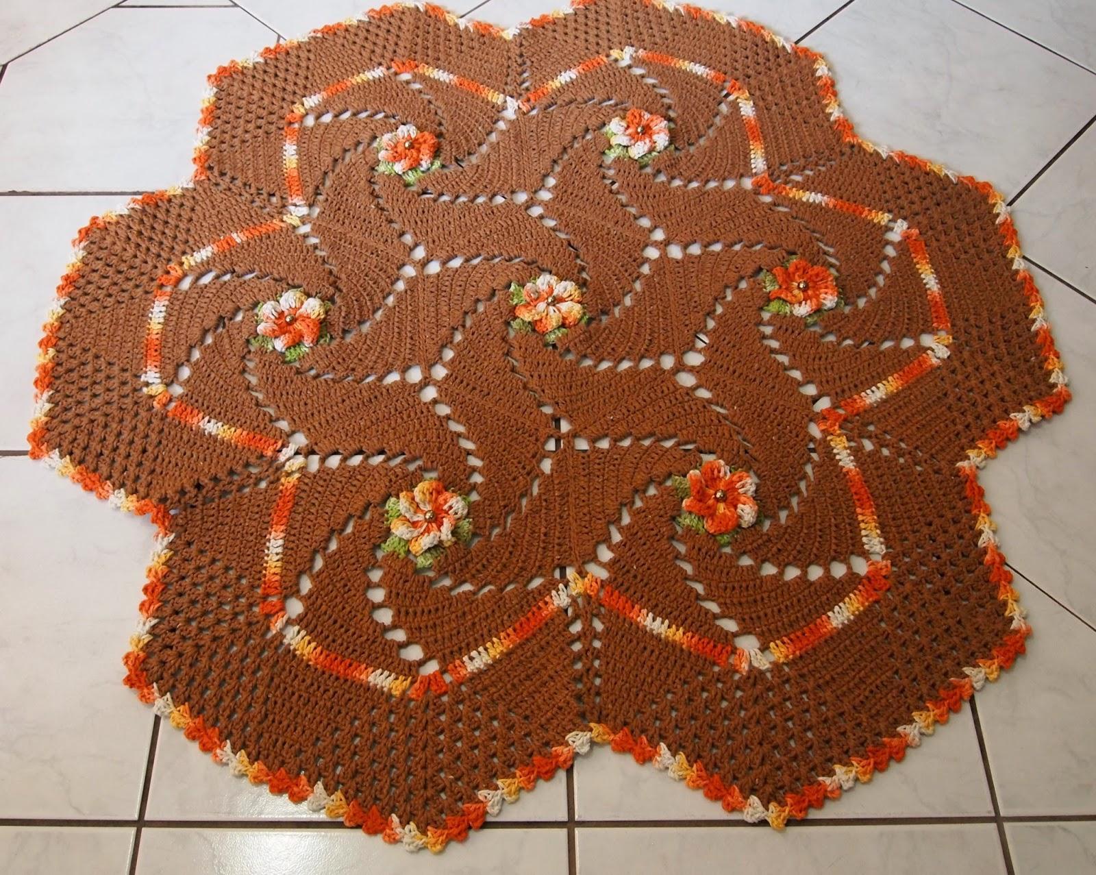 Faça um tapete de crochê em formato de flor (Foto: Ilustração)