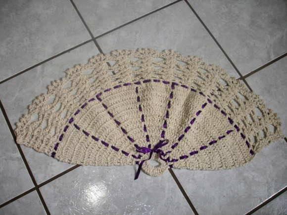 Tapete de crochê em formato de leque (Foto: Ilustração)