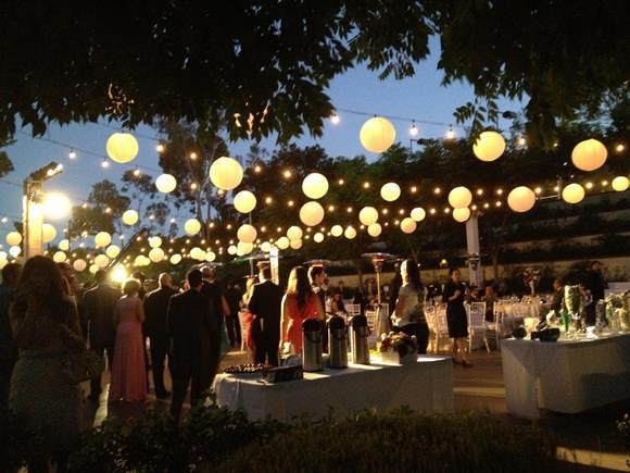 Lampadas japonesas na decoração de casamento. (Foto: Reprodução/ Persiamag)
