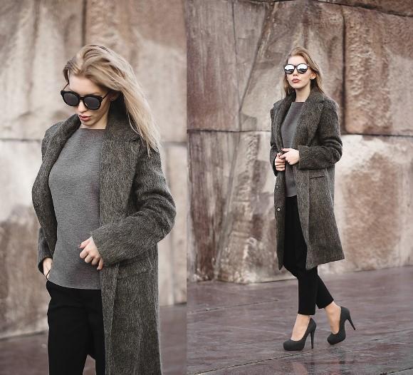 Um look cinza com casaco comprido. (Foto: Reprodução/Lookbook.nu)