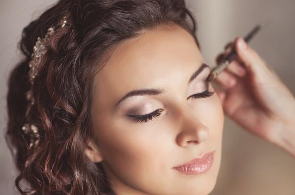 Novas tendências estão influenciando as maquiagens das noivas. (Foto: Reprodução/bride-beautiful)