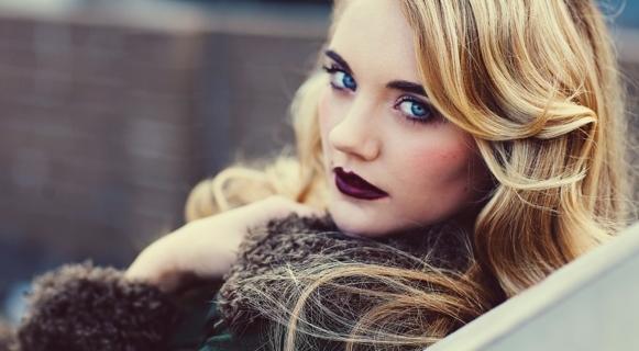 Uma maquiagem perfeita para o inverno. (Foto: Reprodução/Womendailymagazine)
