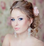 Maquiagens e penteados românticos para casamento
