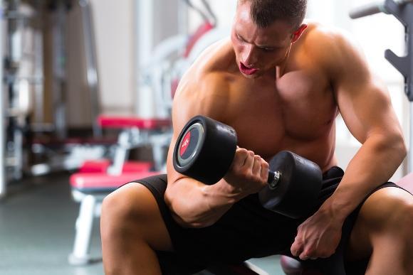É preciso planejar bem o treino para ganhar massa muscular. (Foto Ilustrativa)