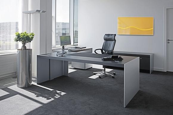 Mesa para um escritório sóbrio. (Foto: Reprodução/Besthome)