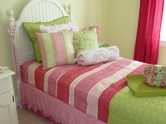 Quarto de solteiro com rosa e verde. (Foto: Reprodução/houzz)