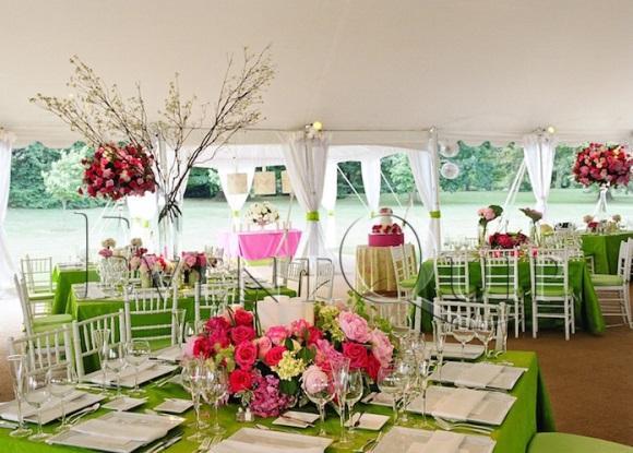 Casamento decorado com rosa e verde. (Foto: Reprodução/Eventquip)