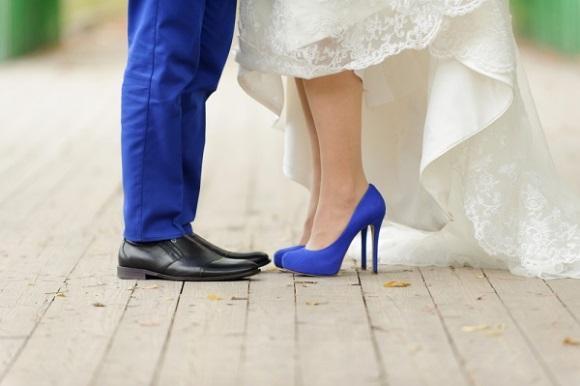 Cuidado para não escolher o modelo errado de calçado de noiva. (Foto: Reprodução/bridebox)