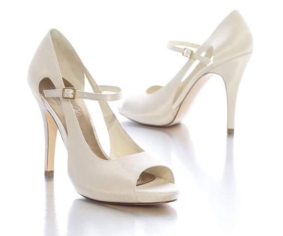 Sapato de noiva clássico. (Foto: Reprodução/mywearingideas)